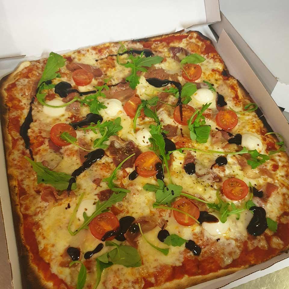 délicieuses pizzas à emporter à Vayrac | La P'tite Italie
